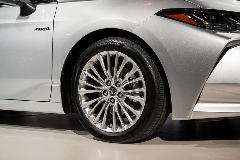 2018 - [Toyota] Avalon 5d337610