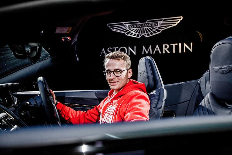 2016 - [Aston Martin] DB11 - Page 10 7742a310