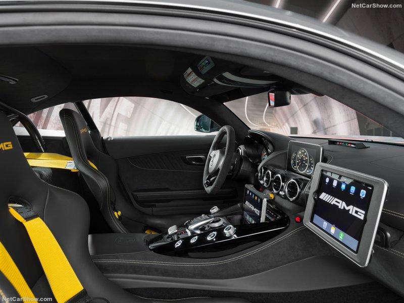 2014 - [Mercedes-AMG] GT [C190] - Page 30 8520ae10