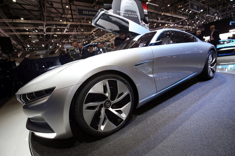 2018 -[Pininfarina] HK GT Concept 93e3c110