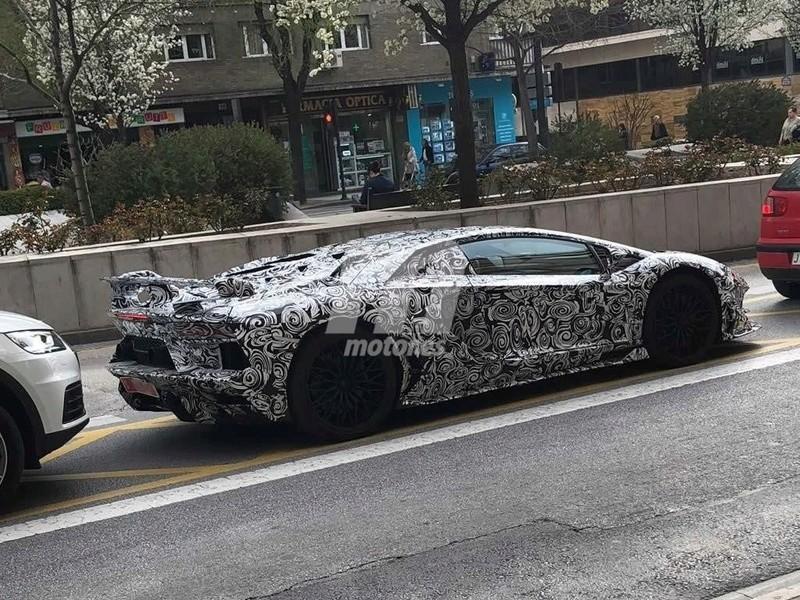 2011 - [Lamborghini] Aventador LP700-4 - Page 26 9b2c5010