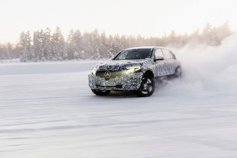 2019 - [Mercedes-Benz] EQ C 9e609410