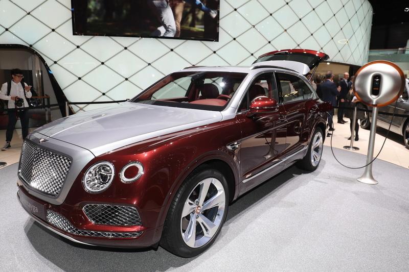 2015 - [Bentley] Bentayga - Page 11 A04aec10