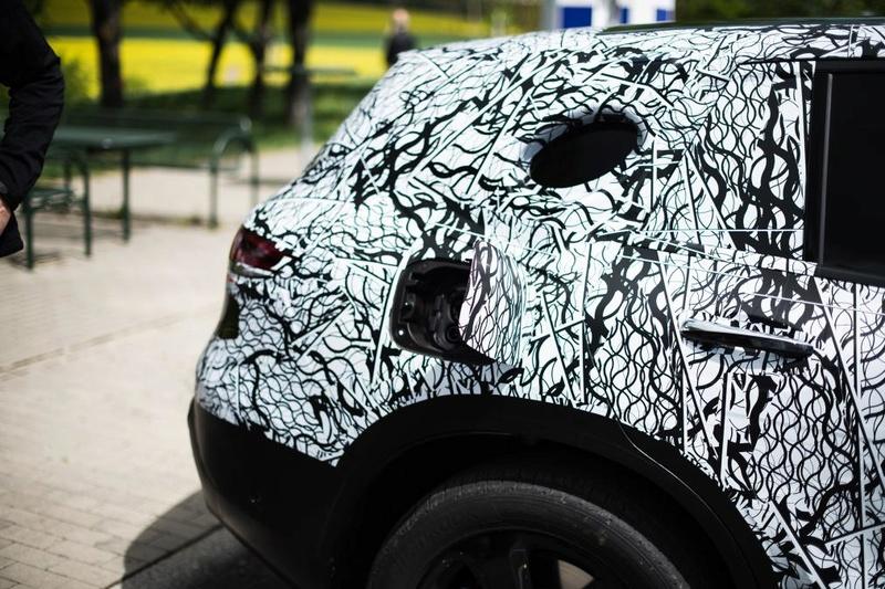 2019 - [Mercedes-Benz] EQ C A64d4610
