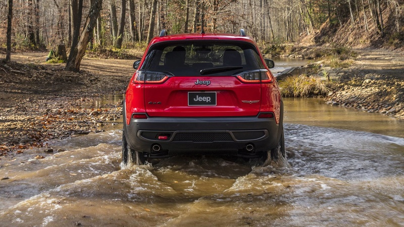 2016 - [Jeep] Cherokee restylé - Page 2 A7852c10