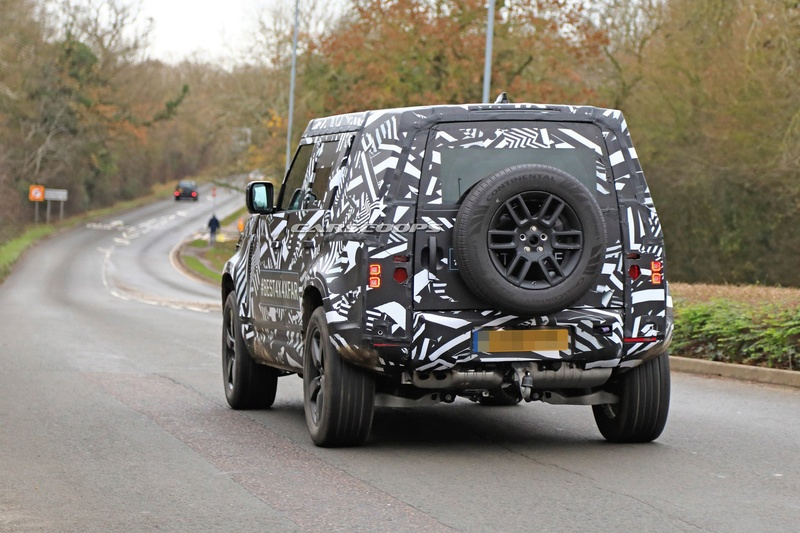 2018 - [Land Rover] Defender [L663] - Page 5 B838a510