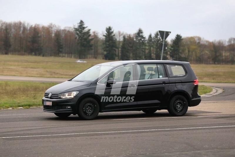 2020 - [Volkswagen] Viloran (Sharan III) Babb4910