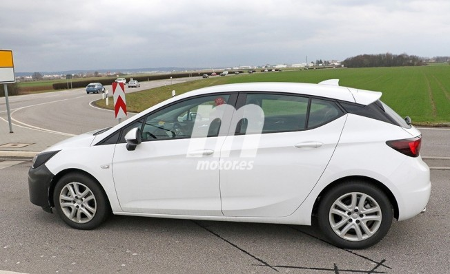 2018 - [Opel] Astra restylée  C4414310