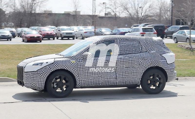 2018 - [Ford] Kuga III C5d22410