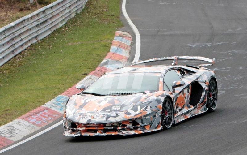 2011 - [Lamborghini] Aventador LP700-4 - Page 26 C9480410