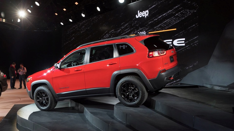 2016 - [Jeep] Cherokee restylé - Page 2 Cab3d910