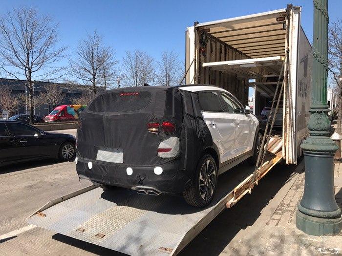 2015 - [Hyundai] Tucson III - Page 8 D1fc4610