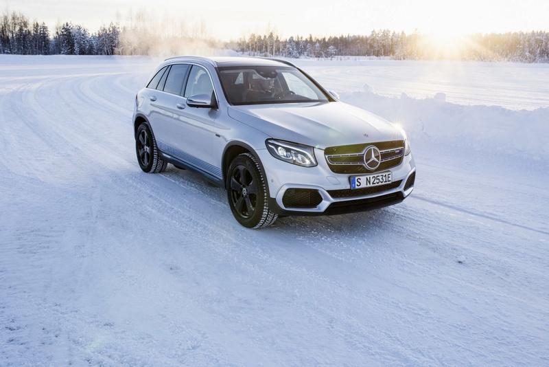 2019 - [Mercedes-Benz] EQ C D41b9510