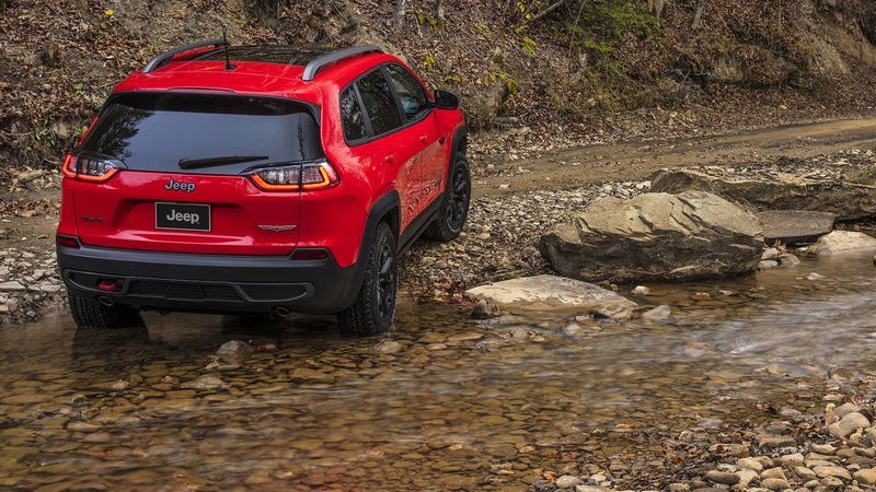 2016 - [Jeep] Cherokee restylé - Page 2 D4a3a010