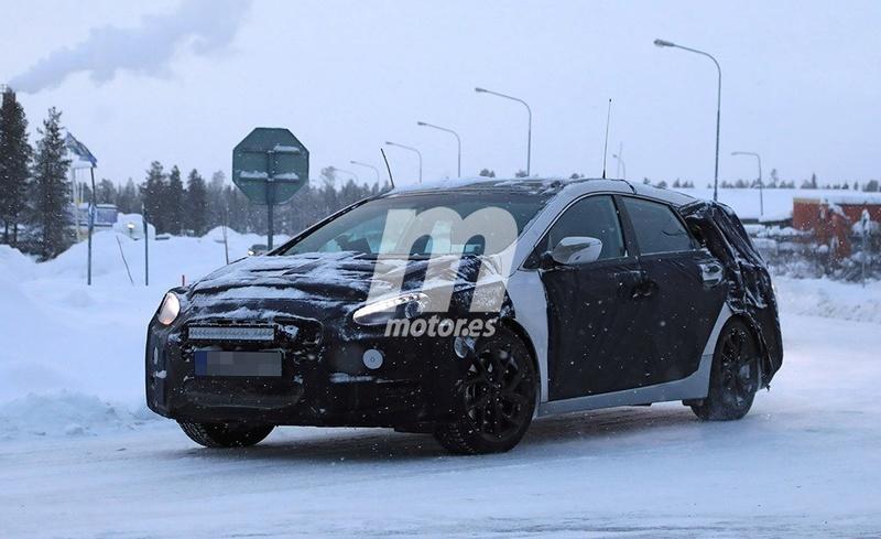 2020 - [Hyundai] i40 II D74bd010