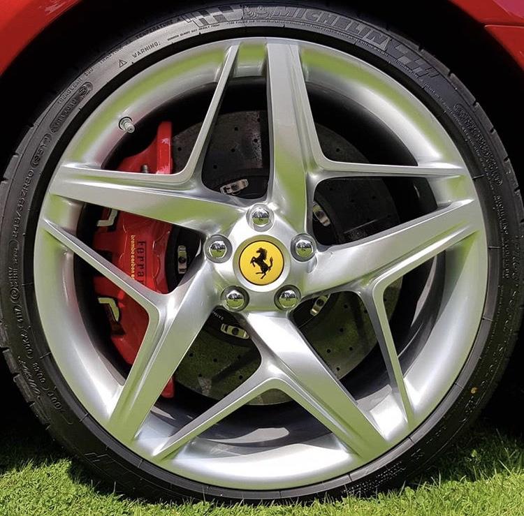 [Ferrari] Modèles uniques / One Off - MàJ : F12 TRS - Page 6 E50dcb10