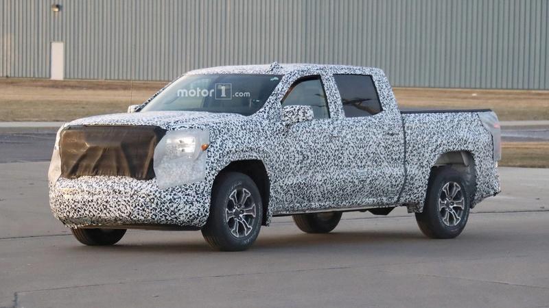 2018 - [Chevrolet / GMC] Silverado / Sierra Eab39910