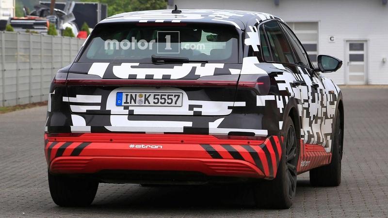 2018 [Audi] E-Tron Quattro - Page 3 F4975010