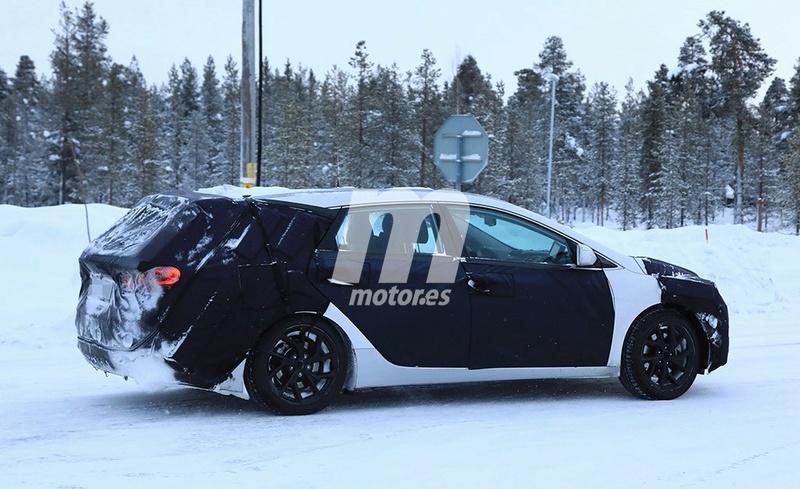 2020 - [Hyundai] i40 II F4ac0610