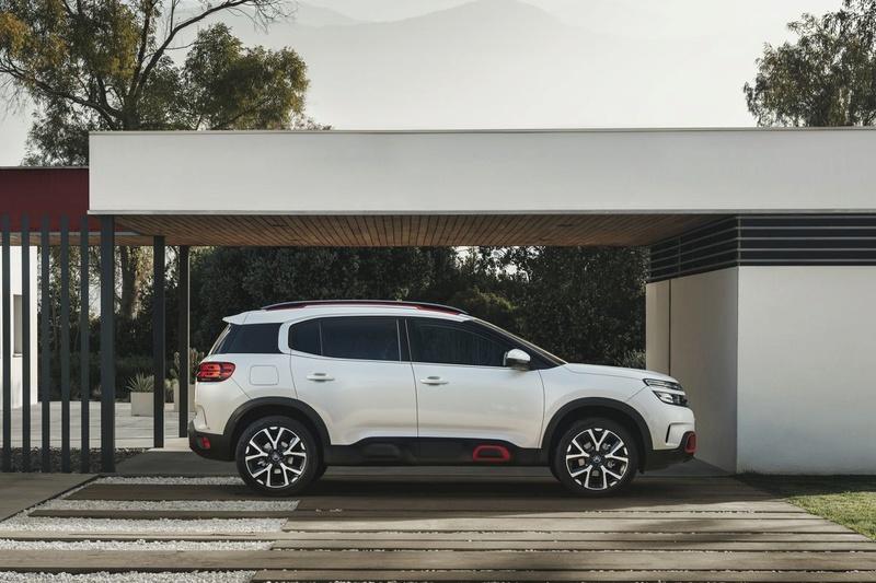 2017 - [Citroën] C5 Aircross [C84] - Page 36 F5c7a910