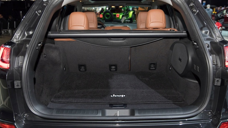 2016 - [Jeep] Cherokee restylé - Page 2 F9fcaa10