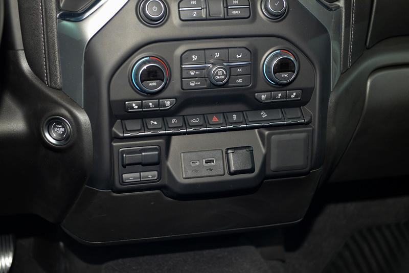 2018 - [Chevrolet / GMC] Silverado / Sierra Fbdf0410