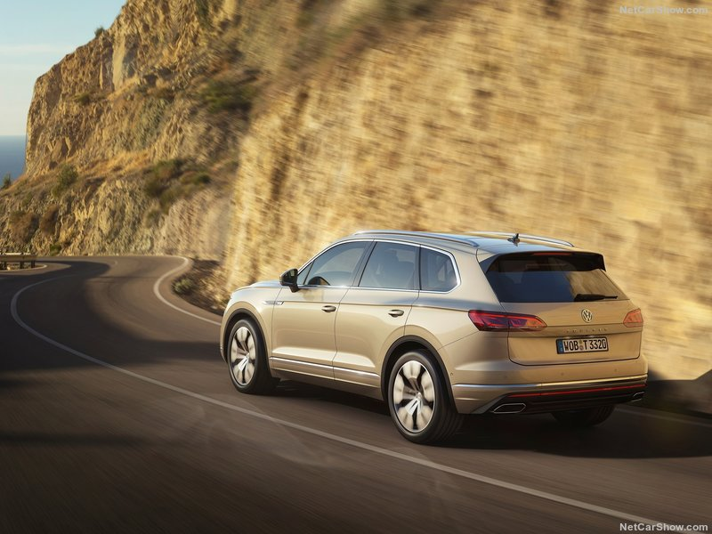 2018 - [Volkswagen] Touareg III - Page 8 Ff71ca10