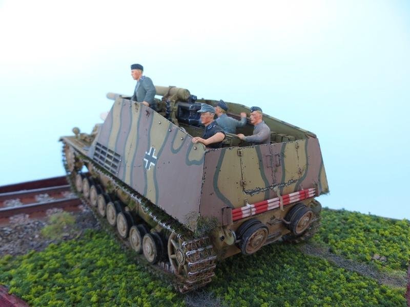 SDKFZ  165  Hummel 9410