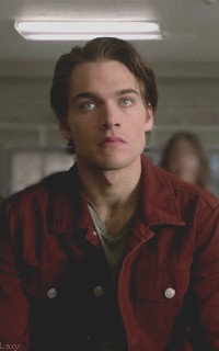Dylan Sprayberry  - Page 2 Liamou19