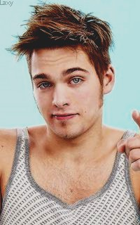 Dylan Sprayberry  - Page 3 Sprayb19