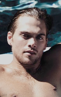 Dylan Sprayberry  - Page 3 Sprayb31