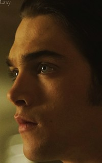 Dylan Sprayberry  - Page 2 Vavali13