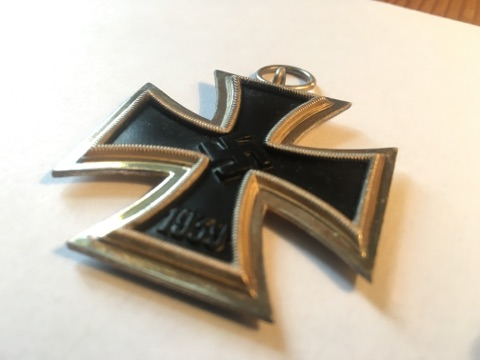 Authentification et estimation croix de fer 2ème classe 1939-1945 Img_3210