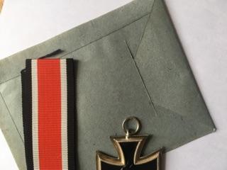 Authentification et estimation croix de fer 2ème classe 1939-1945 Img_3216