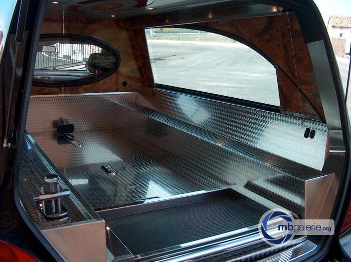 (W251): A versão para transporte fúnebre  003e6610
