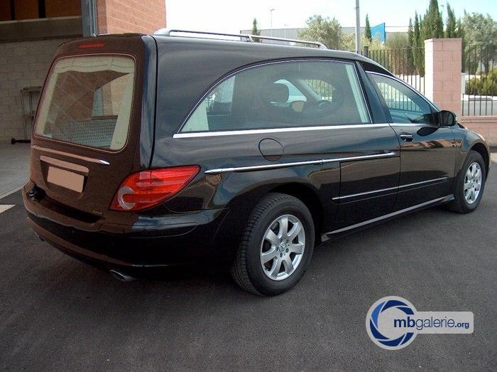 (W251): A versão para transporte fúnebre  Aaa68010