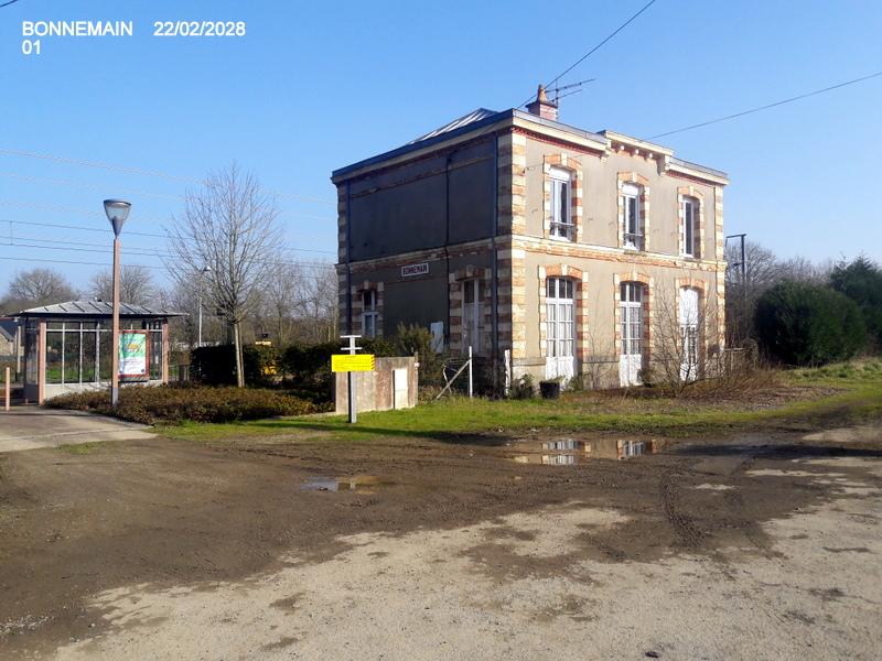 Gare de Bonnemain (PK 422,8) 20180537