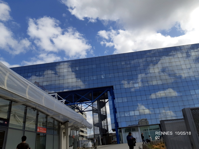 "Gare de Rennes : ambiance ""bleu-gwen du"" 10/05/18 20181054"