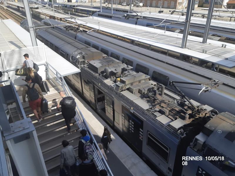 "Gare de Rennes : ambiance ""bleu-gwen du"" 10/05/18 20181061"