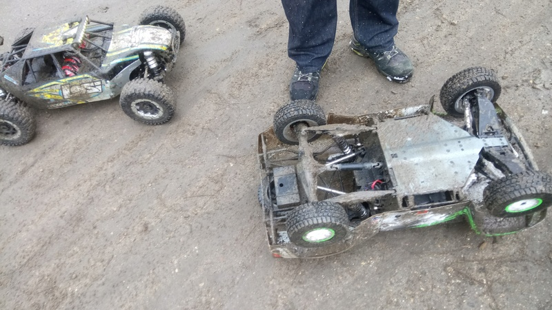 mes voitures 1/5, LOSI Desert buggy 1/5e XL-E RTR 4WD 8s, Adui R8 LMS - Page 3 Dsc_4750