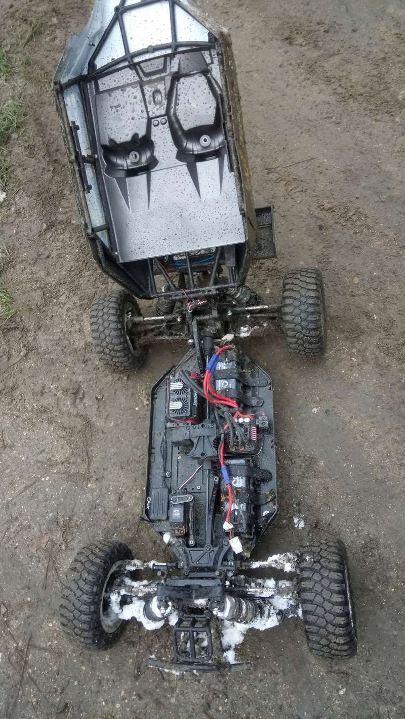 mes voitures 1/5, LOSI Desert buggy 1/5e XL-E RTR 4WD 8s, Adui R8 LMS - Page 3 Dsc_4752