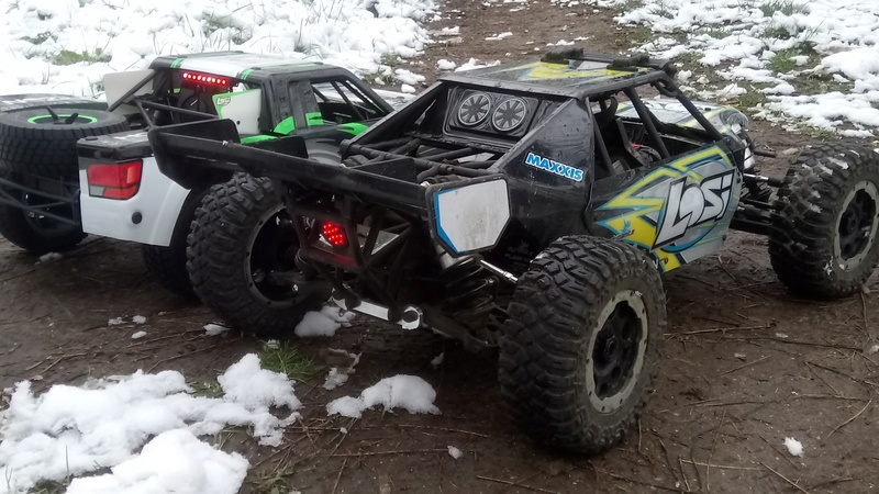 mes voitures 1/5, LOSI Desert buggy 1/5e XL-E RTR 4WD 8s, Adui R8 LMS - Page 3 Dsc_4757