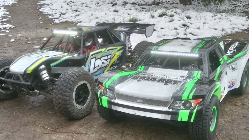 mes voitures 1/5, LOSI Desert buggy 1/5e XL-E RTR 4WD 8s, Adui R8 LMS - Page 3 Dsc_4759