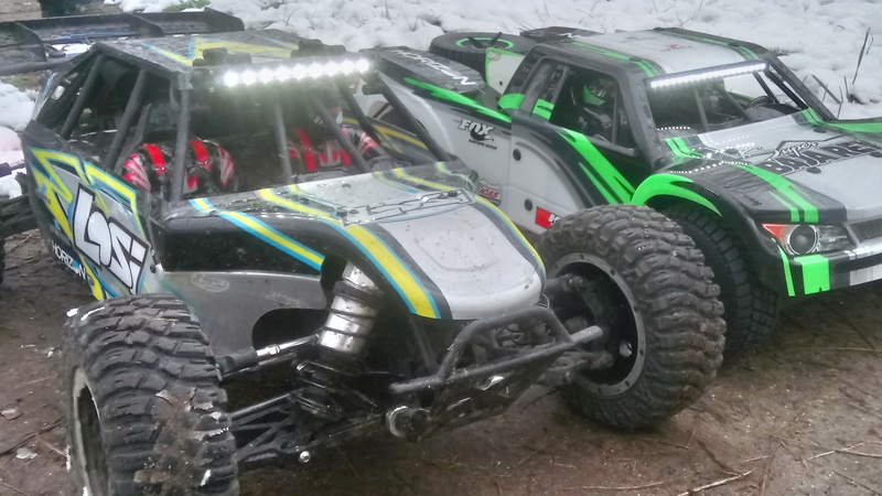 mes voitures 1/5, LOSI Desert buggy 1/5e XL-E RTR 4WD 8s, Adui R8 LMS - Page 3 Dsc_4760