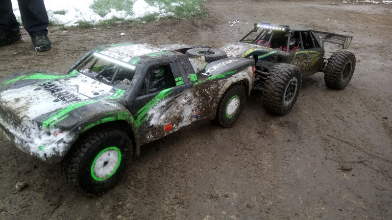 mes voitures 1/5, LOSI Desert buggy 1/5e XL-E RTR 4WD 8s, Adui R8 LMS - Page 3 Dsc_4763