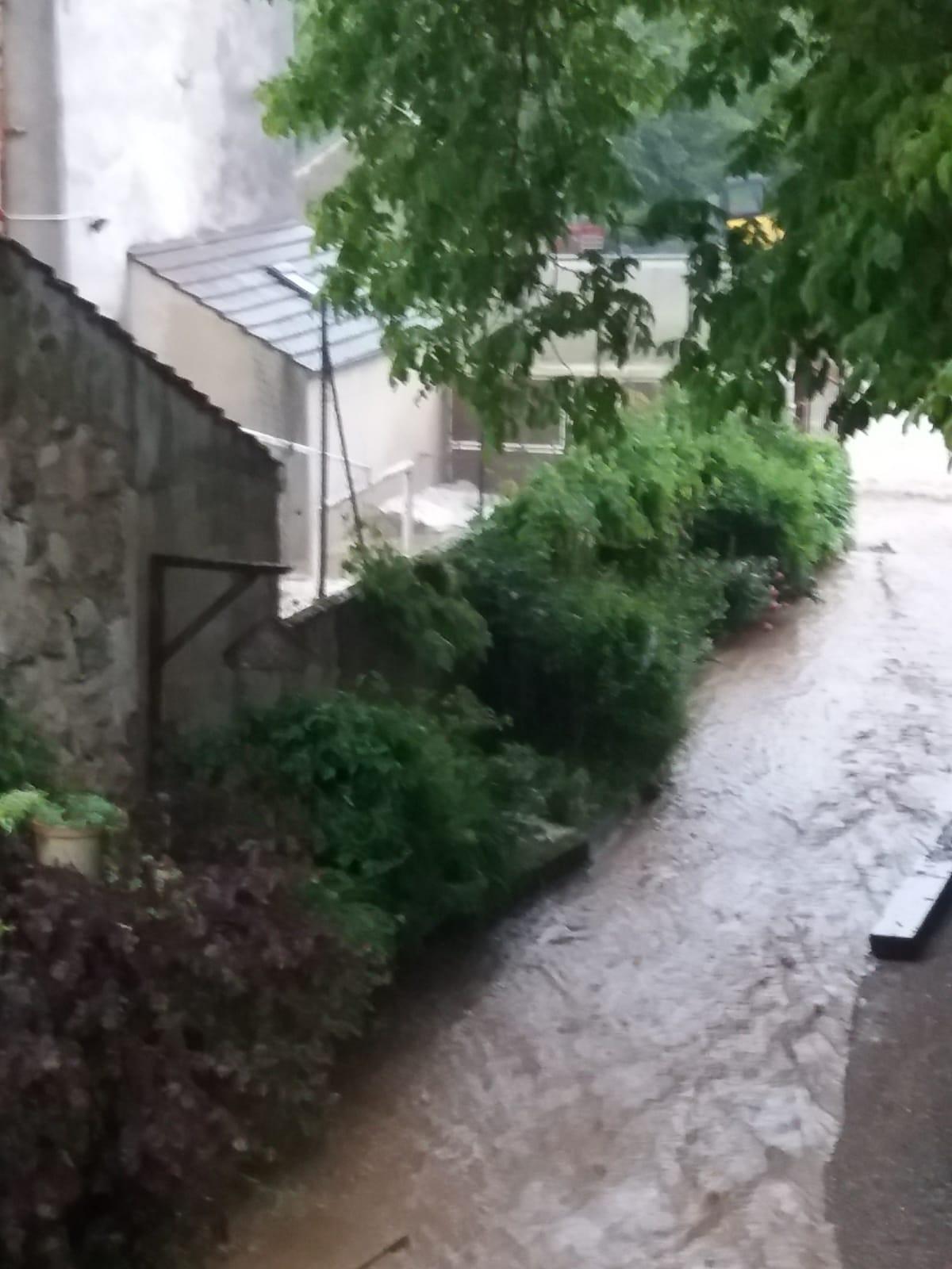 Orage et inondation !  Img-2012