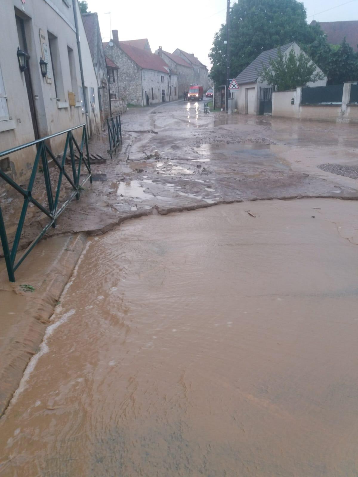 Orage et inondation !  Img-2014