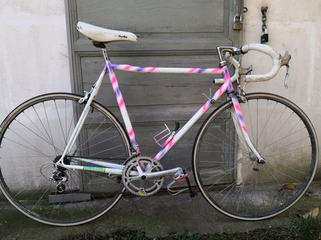 Aide identification d'un vélo de course Img_2010