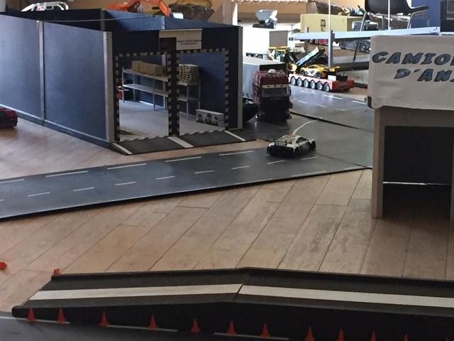 Camions & voitures r.c a Brion (49) 54b43510
