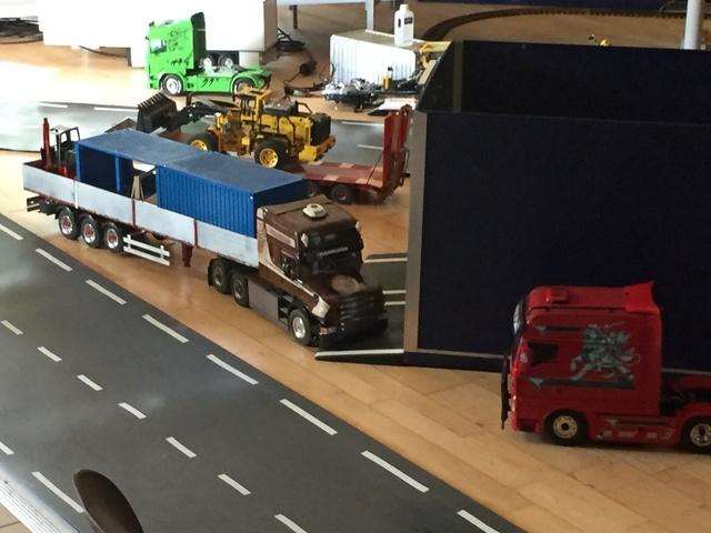 Camions & voitures r.c a Brion (49) 8c828a10